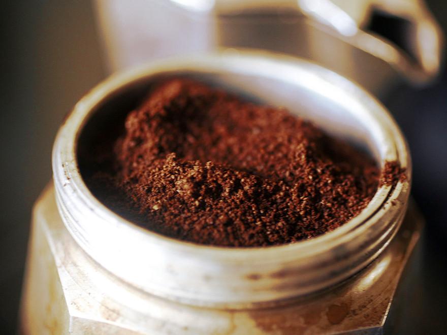 la moka è la tipica macchinetta per il caffè all'italiana