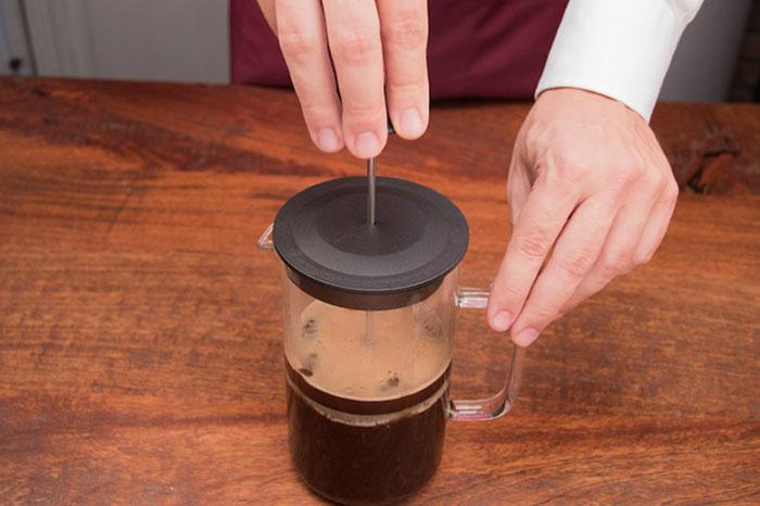 caffettiera francese come funziona