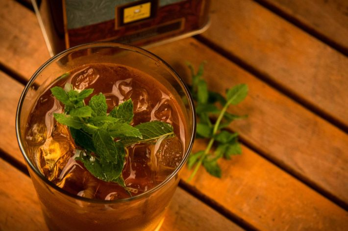 Mint tea: properties and preparation
